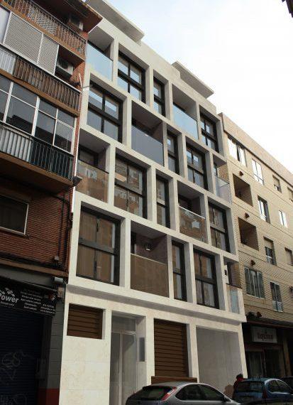 fachada-cerca-vertical-cubos-413x600